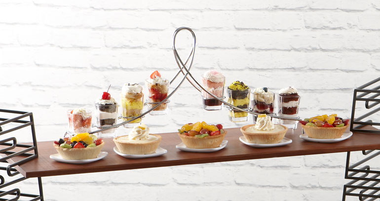 small-plate-dining-mini-dessert-display-stands.jpg