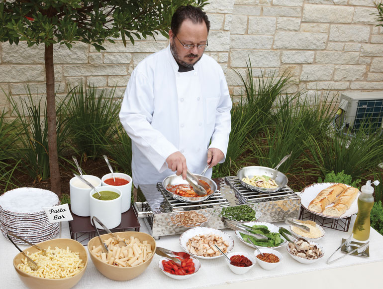 outdoor-action-station-buffet-display.jpg