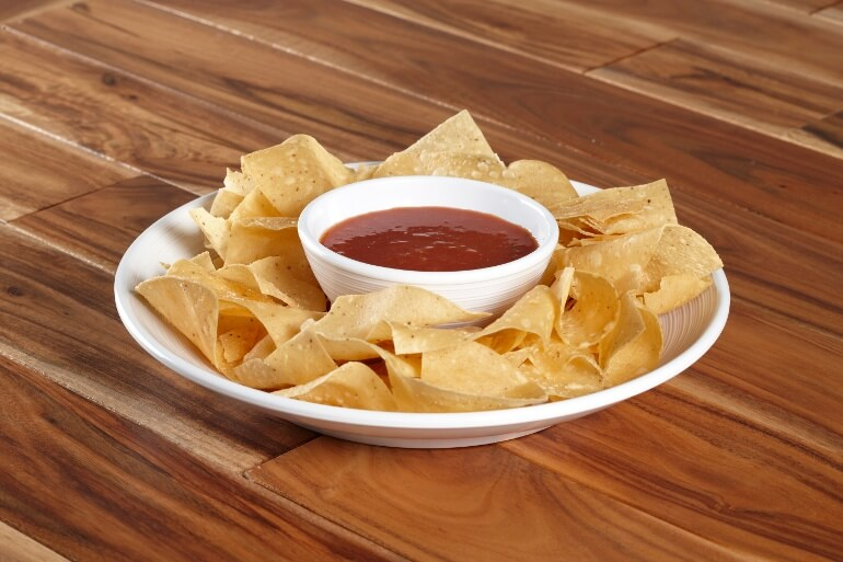 textured-pasta-bowl-white-chips.jpg
