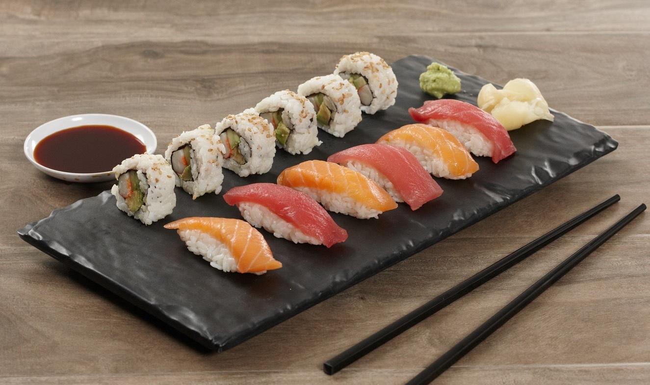 sushi-black-melamine-display-board.jpg