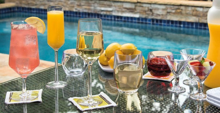 Plastic Vs Gl Drinkware Poolside Patio Jpg
