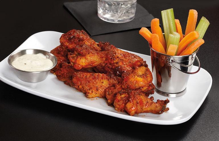 white-melamine-dinnerware-chicken-wings.jpg
