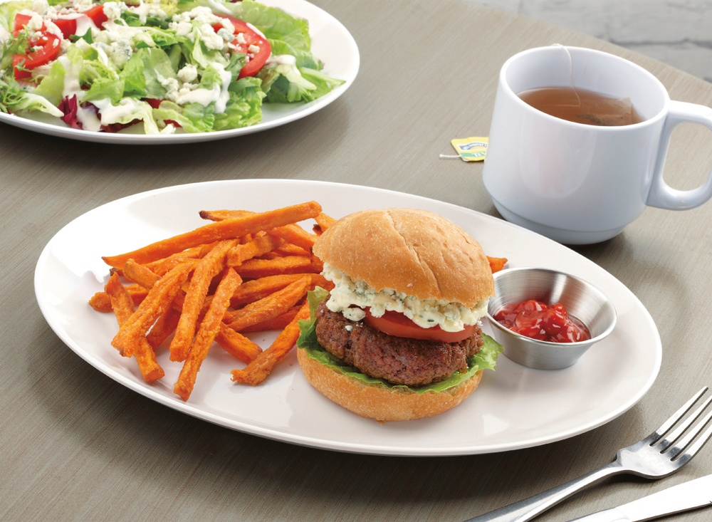Reusable vs Disposable Dinnerware: Costs & Benefits for a Foodservice Operation