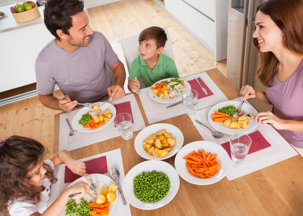 What is the Difference Between Commercial Grade and Retail Melamine Dinnerware?